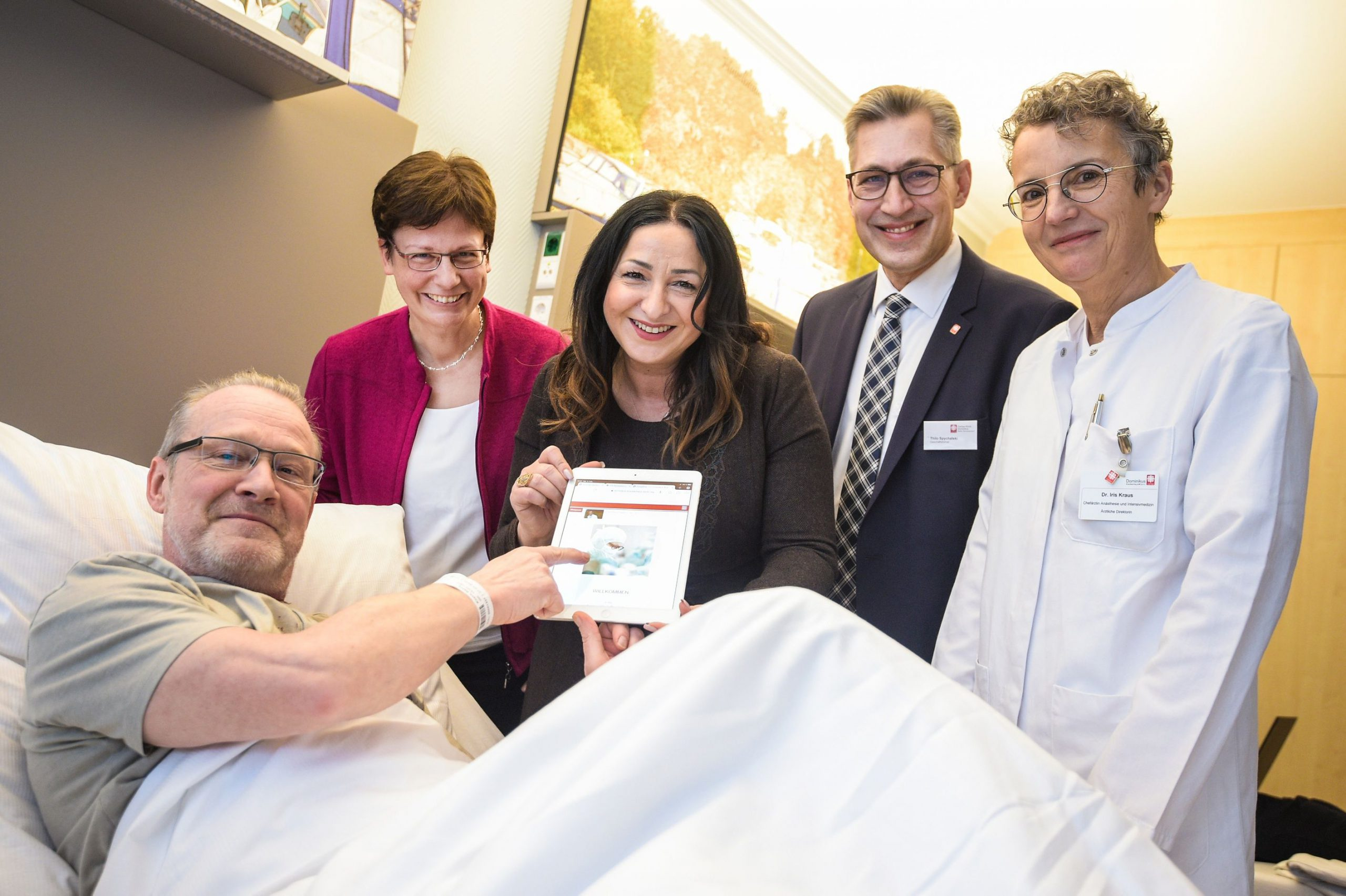 Gesundheitssenatorin schaltet kostenfreies Patienten-WLAN frei